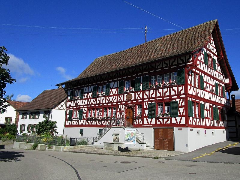 http://www.bahnreiseberichte.de/073-Drei-Tage-Schweiz/73-013Marthalen-Gemeindehaus.JPG