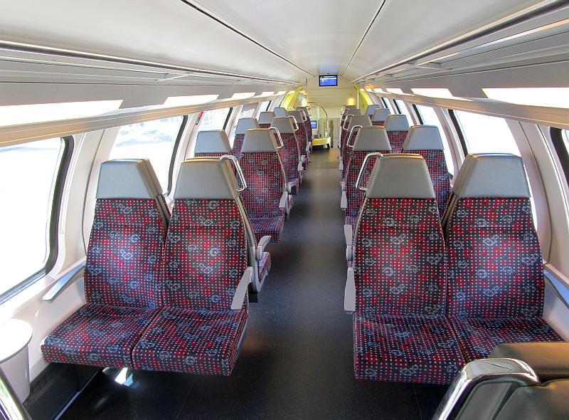 http://www.bahnreiseberichte.de/073-Drei-Tage-Schweiz/73-025Sihltabahn-Dosto.JPG