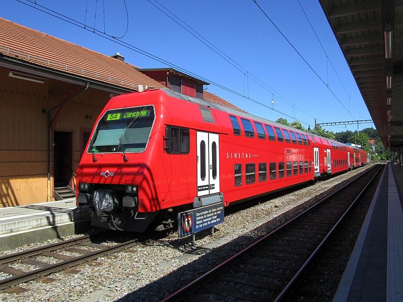 http://www.bahnreiseberichte.de/073-Drei-Tage-Schweiz/73-027Sihltalbahn-Langnau-Gattikon.JPG