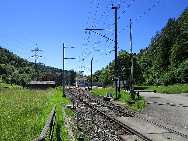 http://www.bahnreiseberichte.de/073-Drei-Tage-Schweiz/73-031Einfahrt-Sihlwald.JPG