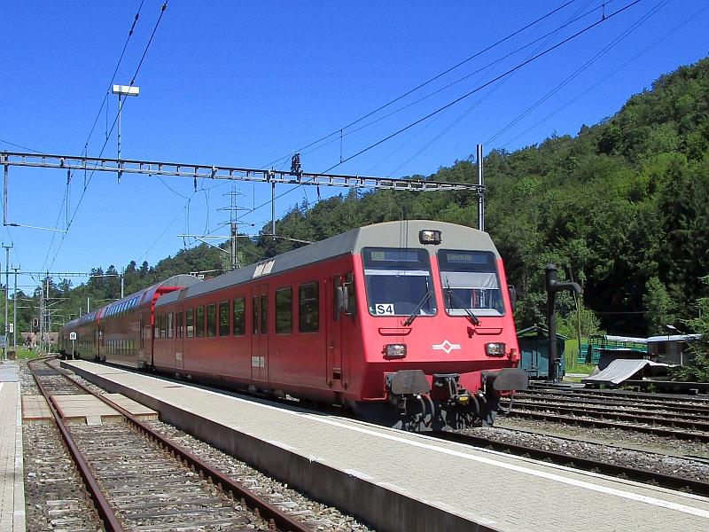http://www.bahnreiseberichte.de/073-Drei-Tage-Schweiz/73-038Sihltalbahn-Steuerwagen.JPG