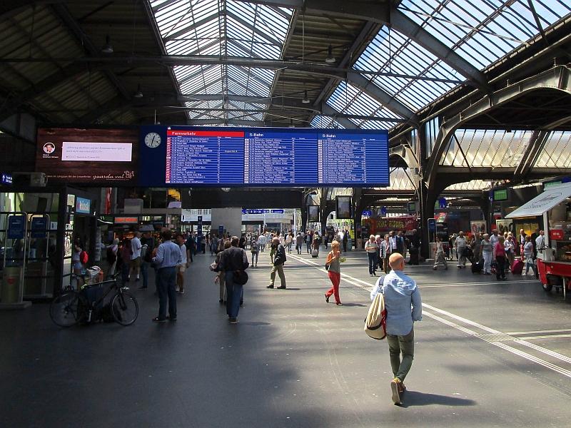 http://www.bahnreiseberichte.de/073-Drei-Tage-Schweiz/73-042Zuerich-Hauptbahnhof.JPG