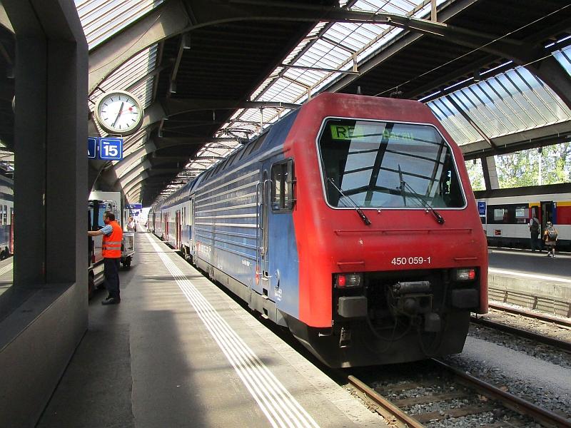 http://www.bahnreiseberichte.de/073-Drei-Tage-Schweiz/73-043SBB-Re-450-Zuerich.JPG