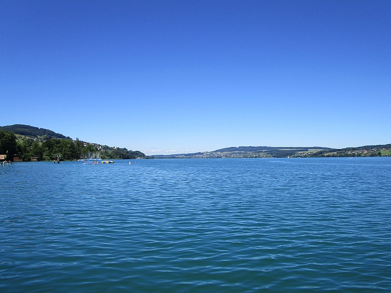 http://www.bahnreiseberichte.de/073-Drei-Tage-Schweiz/73-056Hallwilersee-Beinwil.JPG