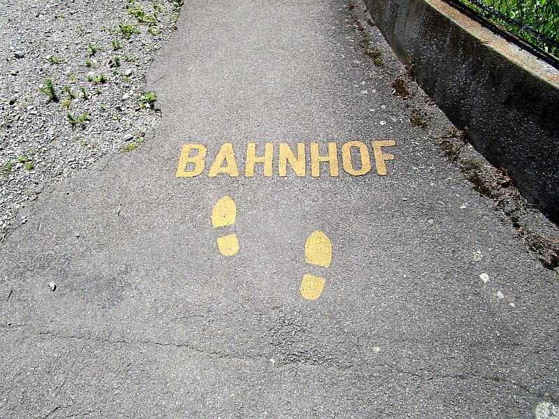 http://www.bahnreiseberichte.de/073-Drei-Tage-Schweiz/73-058Beinwil-zum-Bahnhof.JPG
