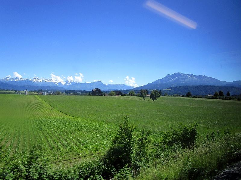 http://www.bahnreiseberichte.de/073-Drei-Tage-Schweiz/73-064Emmenbruecke-Pilatus.JPG