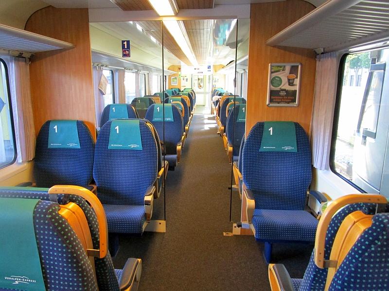 http://www.bahnreiseberichte.de/073-Drei-Tage-Schweiz/73-065Voralpen-Express-1Klasse.JPG