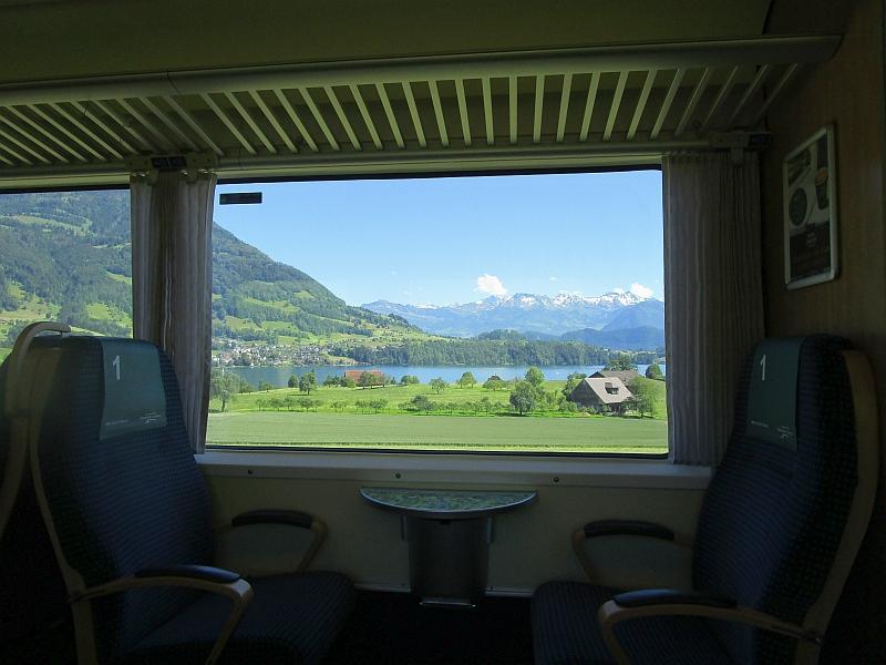 http://www.bahnreiseberichte.de/073-Drei-Tage-Schweiz/73-069Fahrt-VAE-Vierwaldstaettersee.JPG