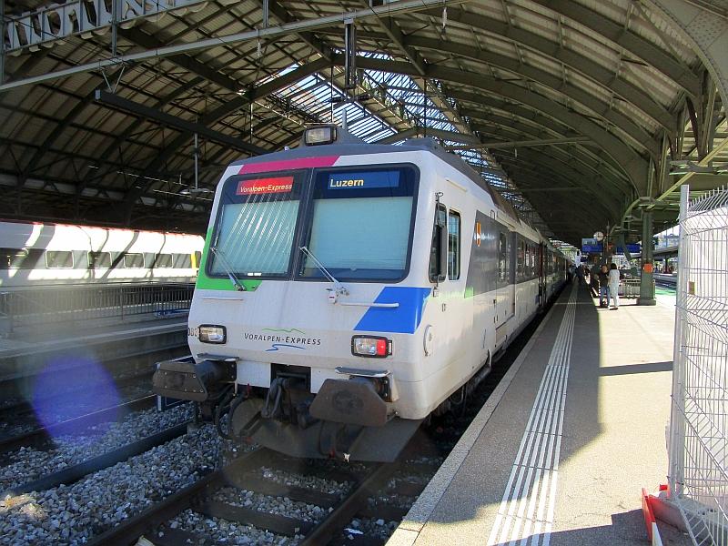 http://www.bahnreiseberichte.de/073-Drei-Tage-Schweiz/73-078Voralpen-Express-StGallen.JPG
