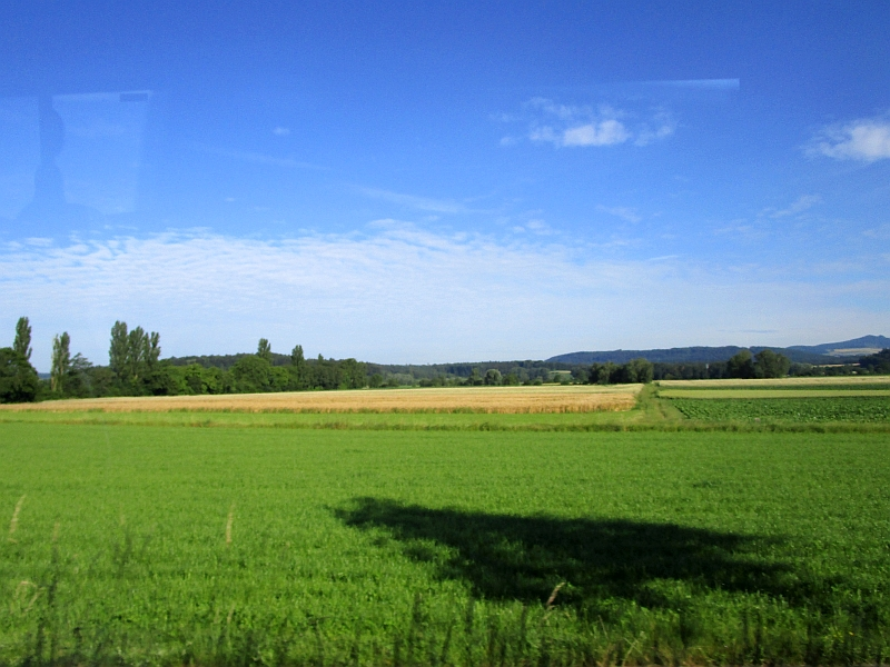 http://www.bahnreiseberichte.de/073-Drei-Tage-Schweiz/73-086Fahrt-Bus-Hegau.JPG
