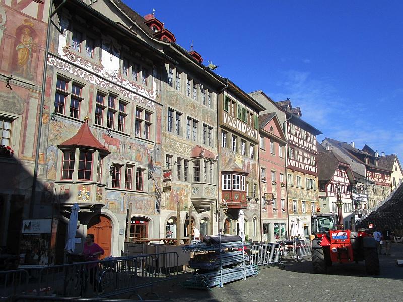 http://www.bahnreiseberichte.de/073-Drei-Tage-Schweiz/73-088Fahrt-Stein-Altstadt.JPG
