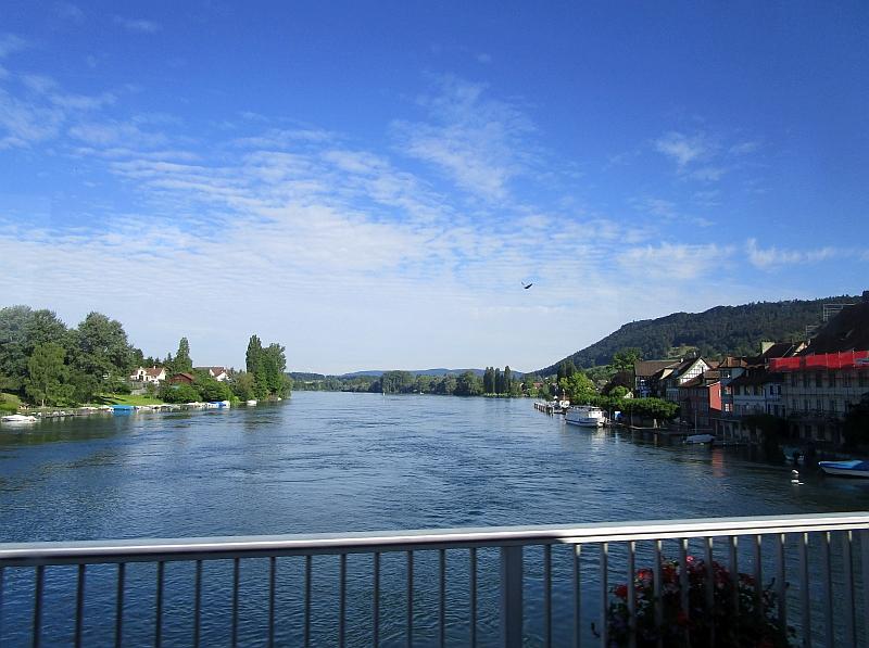 http://www.bahnreiseberichte.de/073-Drei-Tage-Schweiz/73-089Stein-am-Rhein.JPG