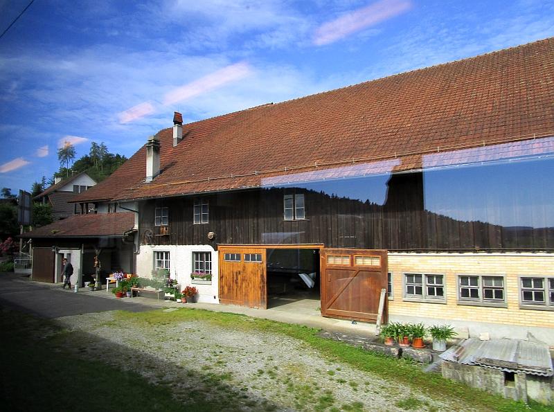http://www.bahnreiseberichte.de/073-Drei-Tage-Schweiz/73-095Dinhard.JPG