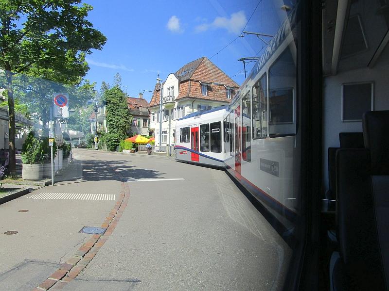 http://www.bahnreiseberichte.de/073-Drei-Tage-Schweiz/73-103BDWM-Fahrt-Dietikon.JPG