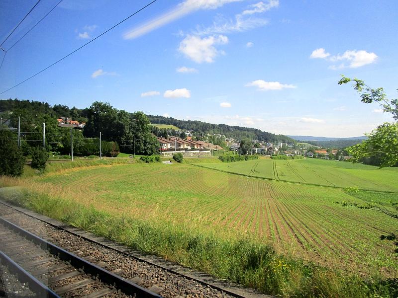 http://www.bahnreiseberichte.de/073-Drei-Tage-Schweiz/73-104Fahrt-Mutschellen.JPG