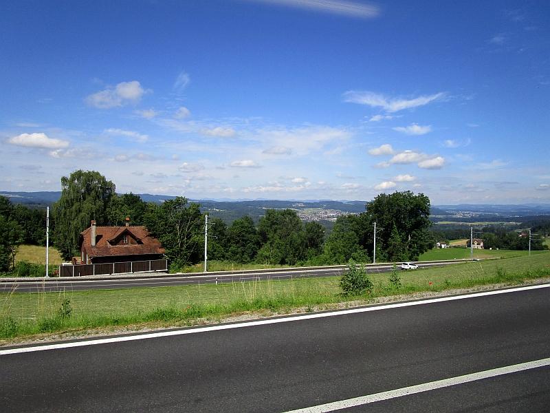 http://www.bahnreiseberichte.de/073-Drei-Tage-Schweiz/73-105Fahrt-Mutschellen.JPG
