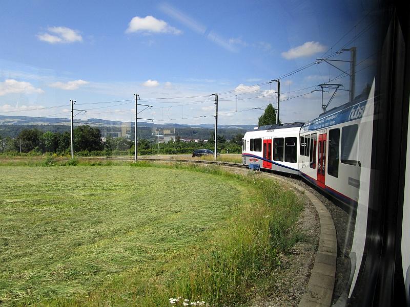 http://www.bahnreiseberichte.de/073-Drei-Tage-Schweiz/73-106Fahrt-Mutschellen.JPG