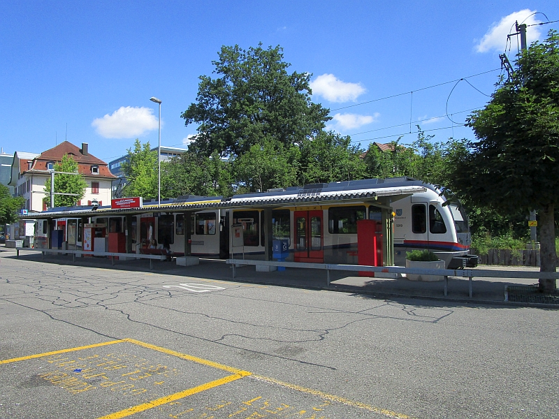 http://www.bahnreiseberichte.de/073-Drei-Tage-Schweiz/73-120Wohlen-Bahnhof-BDWM.JPG