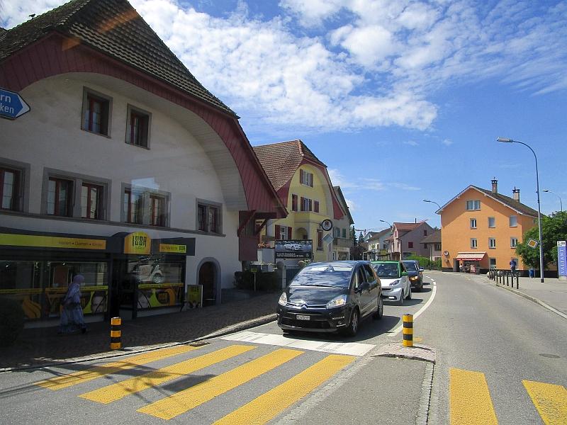 http://www.bahnreiseberichte.de/073-Drei-Tage-Schweiz/73-128Fahrt-Oberentfelden.JPG