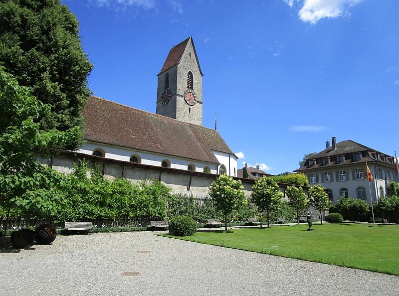 http://www.bahnreiseberichte.de/073-Drei-Tage-Schweiz/73-131Schoeftland-Schlosspark-Kirche.JPG