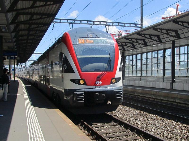http://www.bahnreiseberichte.de/073-Drei-Tage-Schweiz/73-138Einfahrt-Regio-Dosto-Aarau.JPG