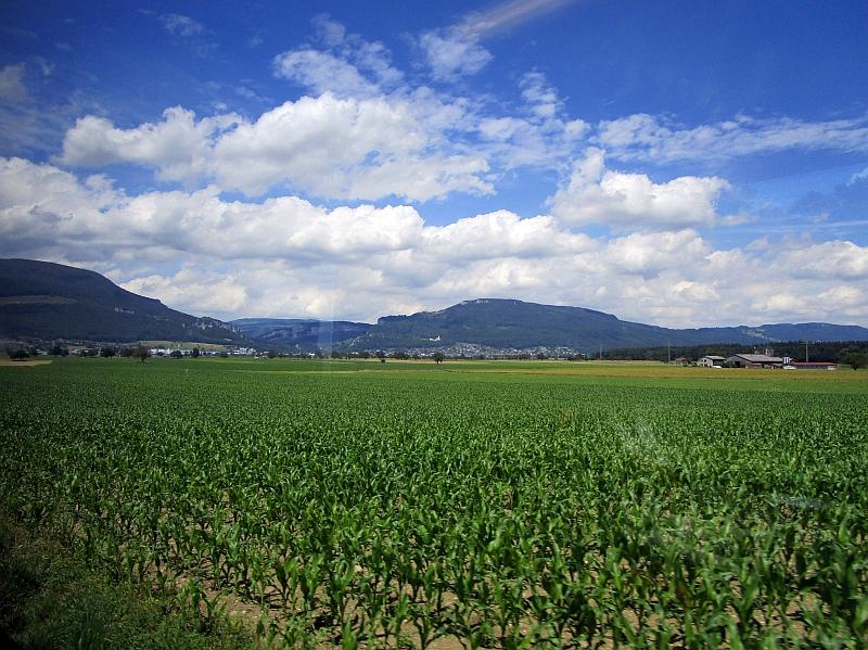 http://www.bahnreiseberichte.de/073-Drei-Tage-Schweiz/73-145Fahrt-Oberaargau.JPG