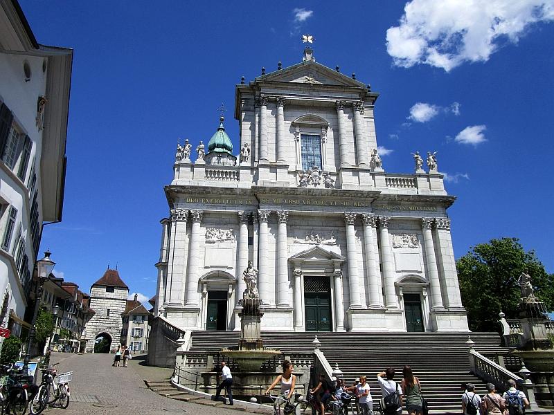 http://www.bahnreiseberichte.de/073-Drei-Tage-Schweiz/73-154Solothurn-Ursen-Kathedrale.JPG