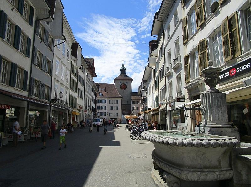 http://www.bahnreiseberichte.de/073-Drei-Tage-Schweiz/73-157Solothurn-Bieltor.JPG