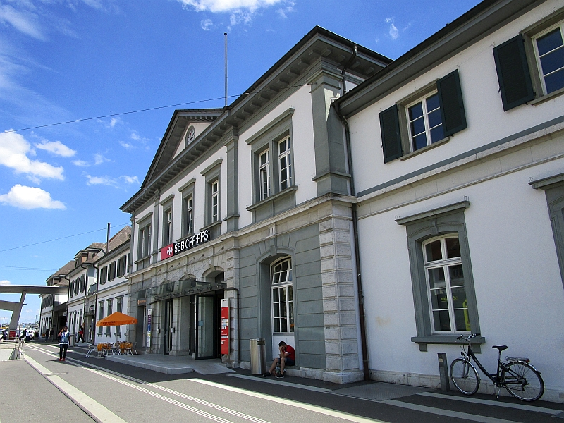 http://www.bahnreiseberichte.de/073-Drei-Tage-Schweiz/73-158Bahnhof-Solothurn.JPG