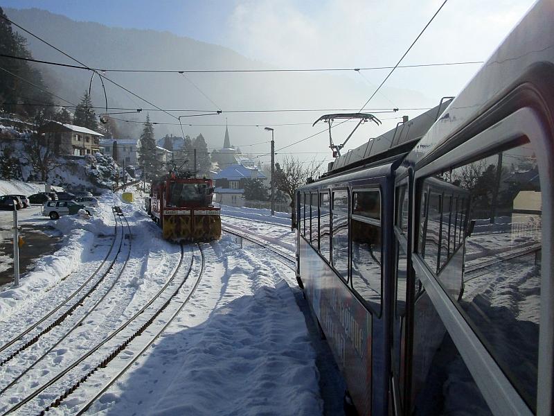 http://www.bahnreiseberichte.de/078-Montreux-Vevey-Riviera/78-11MVR-Schneeraeumer-Glion.JPG