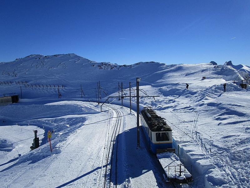 http://www.bahnreiseberichte.de/078-Montreux-Vevey-Riviera/78-18Rochers-de-Naye-Bahnhof.JPG