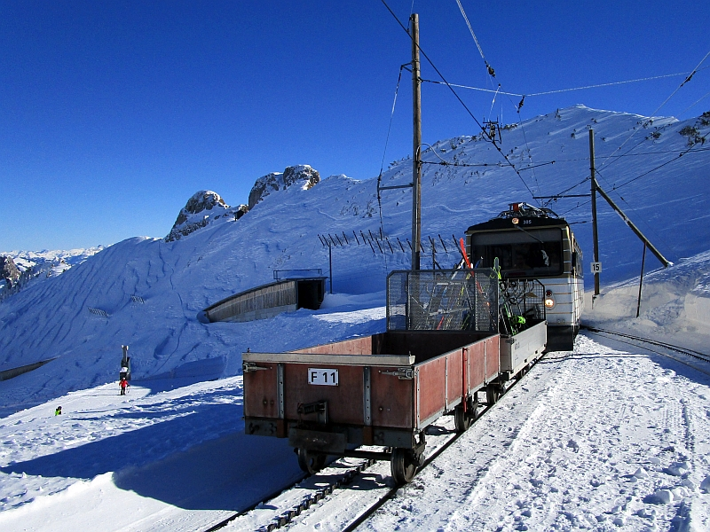 http://www.bahnreiseberichte.de/078-Montreux-Vevey-Riviera/78-22MVR-Bhe48-305-Rochers-de-Naye.JPG