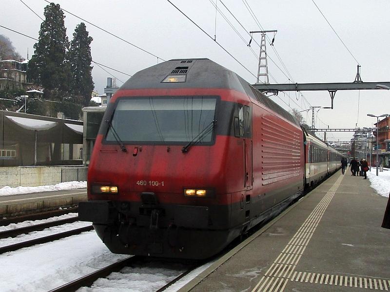 http://www.bahnreiseberichte.de/078-Montreux-Vevey-Riviera/78-34Einfahrt-IR-Montreux.JPG