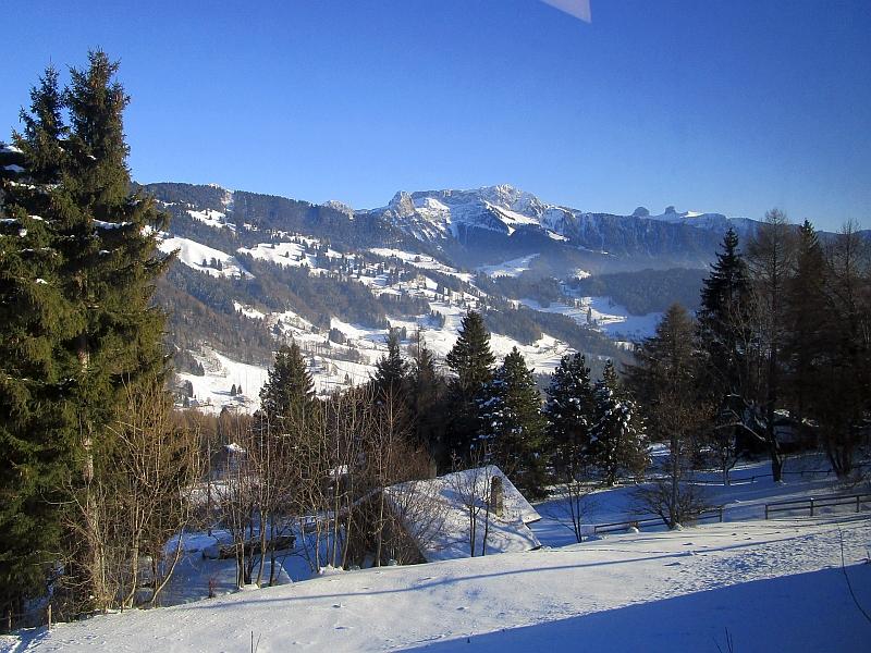 http://www.bahnreiseberichte.de/078-Montreux-Vevey-Riviera/78-41Bergfahrt-Les-Pleiades.JPG