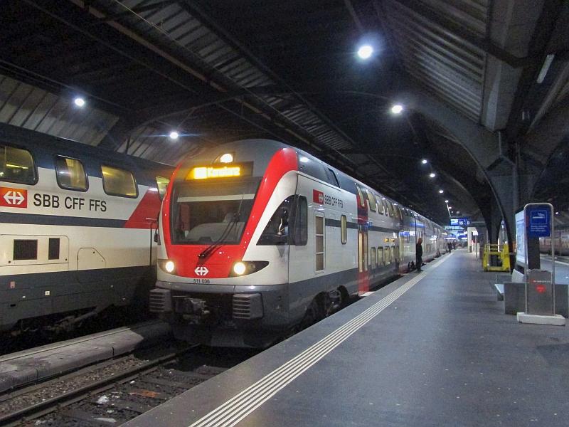 http://www.bahnreiseberichte.de/078-Montreux-Vevey-Riviera/78-56SBB-Dosto-IR-Zuerich.JPG