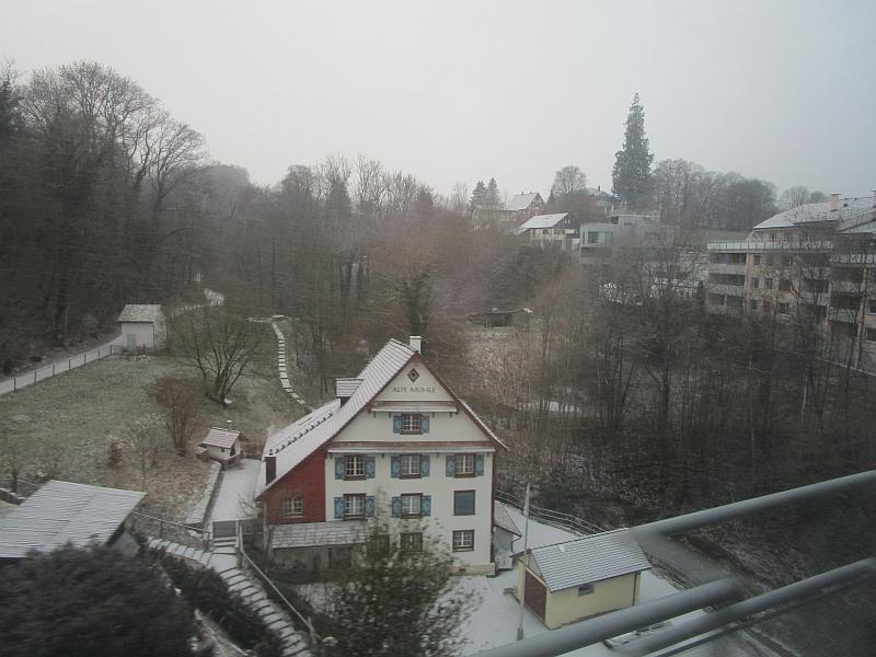 http://www.bahnreiseberichte.de/086-Jura-Ligne-Horlogers/86-03Kreuzlingen-Alte-Muehle.JPG