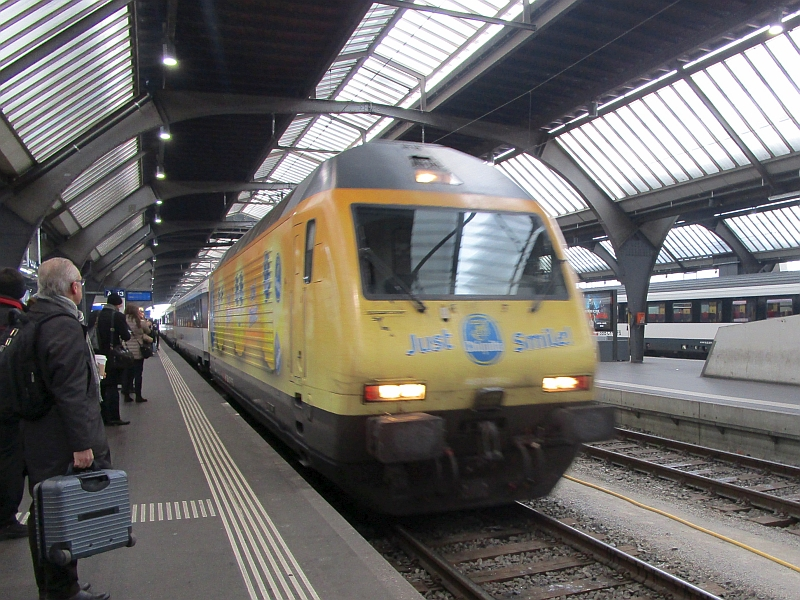 http://www.bahnreiseberichte.de/086-Jura-Ligne-Horlogers/86-07IC-Zuerich-HB.JPG
