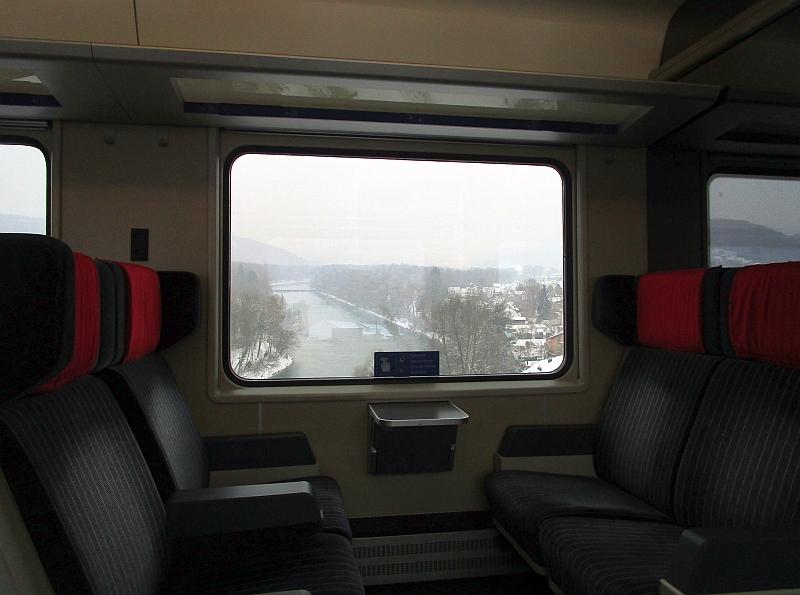 http://www.bahnreiseberichte.de/086-Jura-Ligne-Horlogers/86-08Fahrt-Limmat.JPG