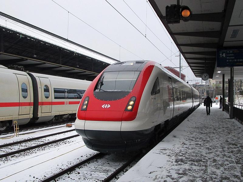 http://www.bahnreiseberichte.de/086-Jura-Ligne-Horlogers/86-10ICN-Basel-SBB.JPG