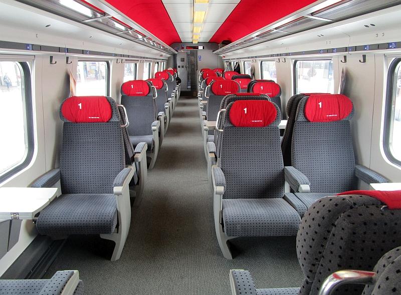http://www.bahnreiseberichte.de/086-Jura-Ligne-Horlogers/86-11ICN-1Klasse.JPG