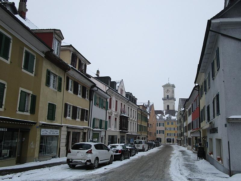http://www.bahnreiseberichte.de/086-Jura-Ligne-Horlogers/86-16Delemont-Eglise-St-Marcel.JPG