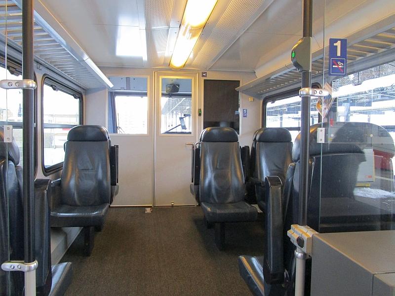http://www.bahnreiseberichte.de/086-Jura-Ligne-Horlogers/86-22CJ-GTW-1Klasse.JPG