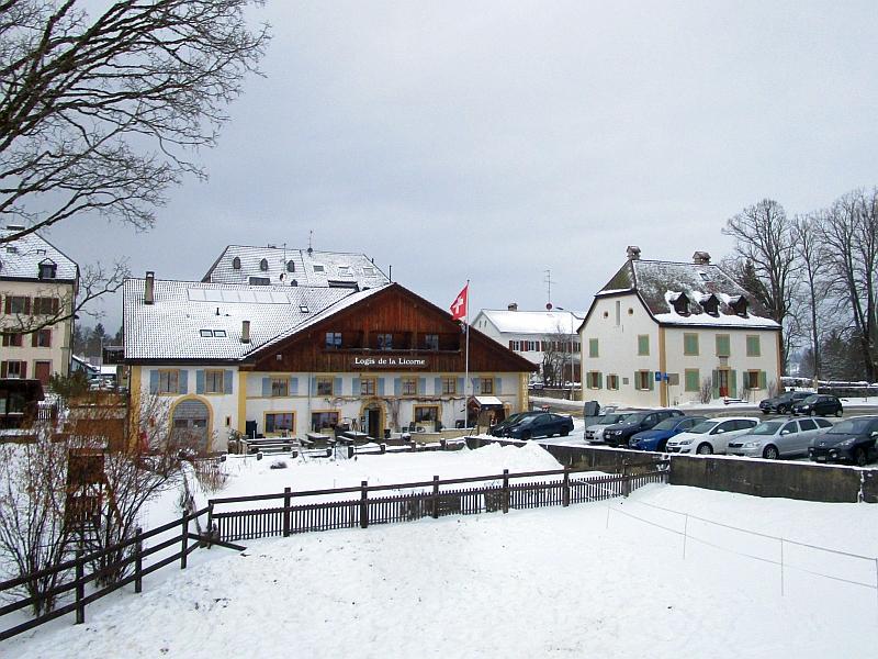 http://www.bahnreiseberichte.de/086-Jura-Ligne-Horlogers/86-31Fahrt-La-Ferriere.JPG
