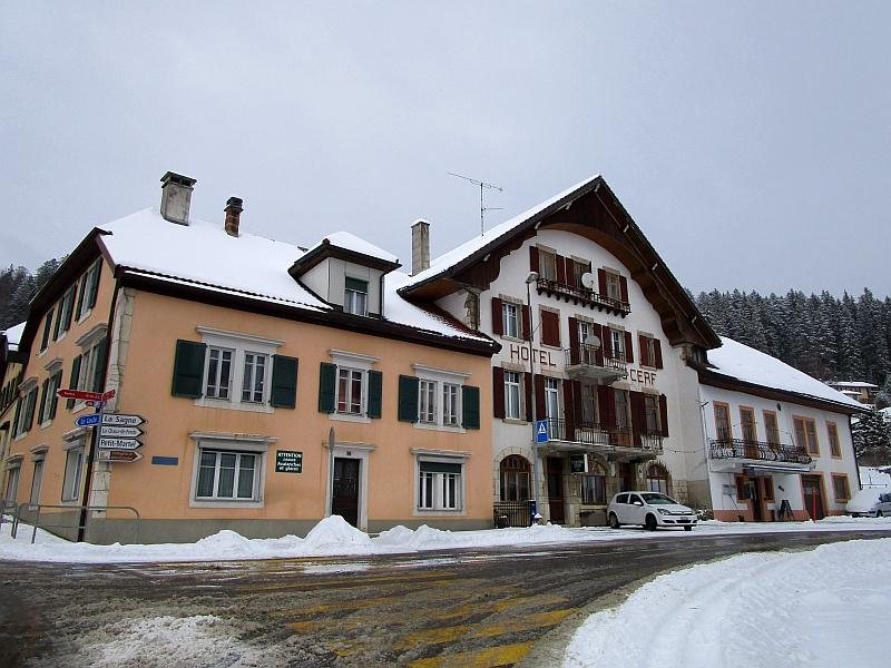 http://www.bahnreiseberichte.de/086-Jura-Ligne-Horlogers/86-45LesPonts-de-Martel.JPG