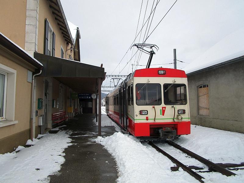 http://www.bahnreiseberichte.de/086-Jura-Ligne-Horlogers/86-46TRN-LesPonts-de-Martel-Bahnhof.JPG