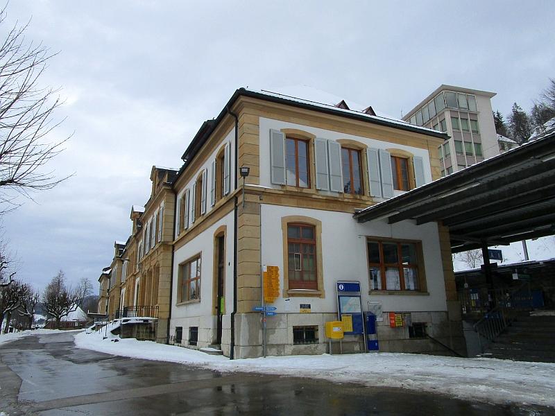 http://www.bahnreiseberichte.de/086-Jura-Ligne-Horlogers/86-54Le-Locle-Bahnhof.JPG