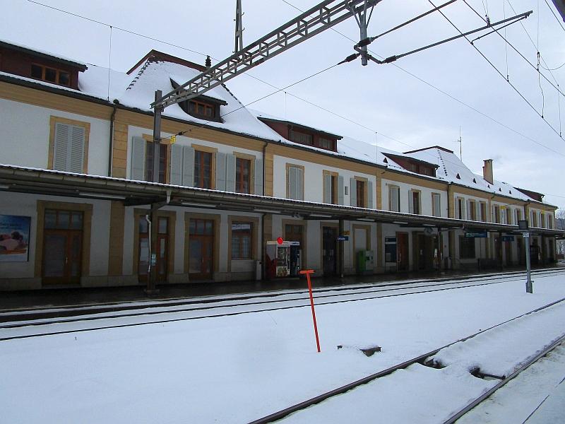 http://www.bahnreiseberichte.de/086-Jura-Ligne-Horlogers/86-55Le-Locle-Bahnhof.JPG
