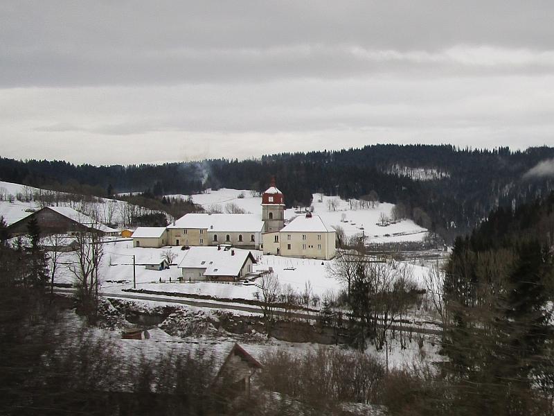 http://www.bahnreiseberichte.de/086-Jura-Ligne-Horlogers/86-62Fahrt-Remonot.JPG