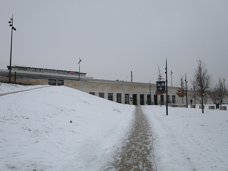 http://www.bahnreiseberichte.de/086-Jura-Ligne-Horlogers/86-76Bahnhof-Besancon-Viotte.JPG