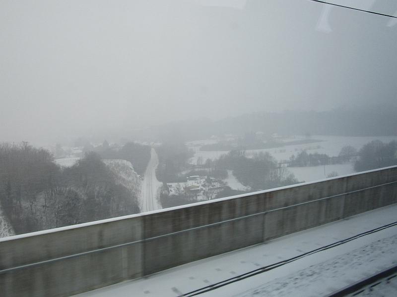 http://www.bahnreiseberichte.de/086-Jura-Ligne-Horlogers/86-88Fahrt-LGV-Rhin-Rhone.JPG